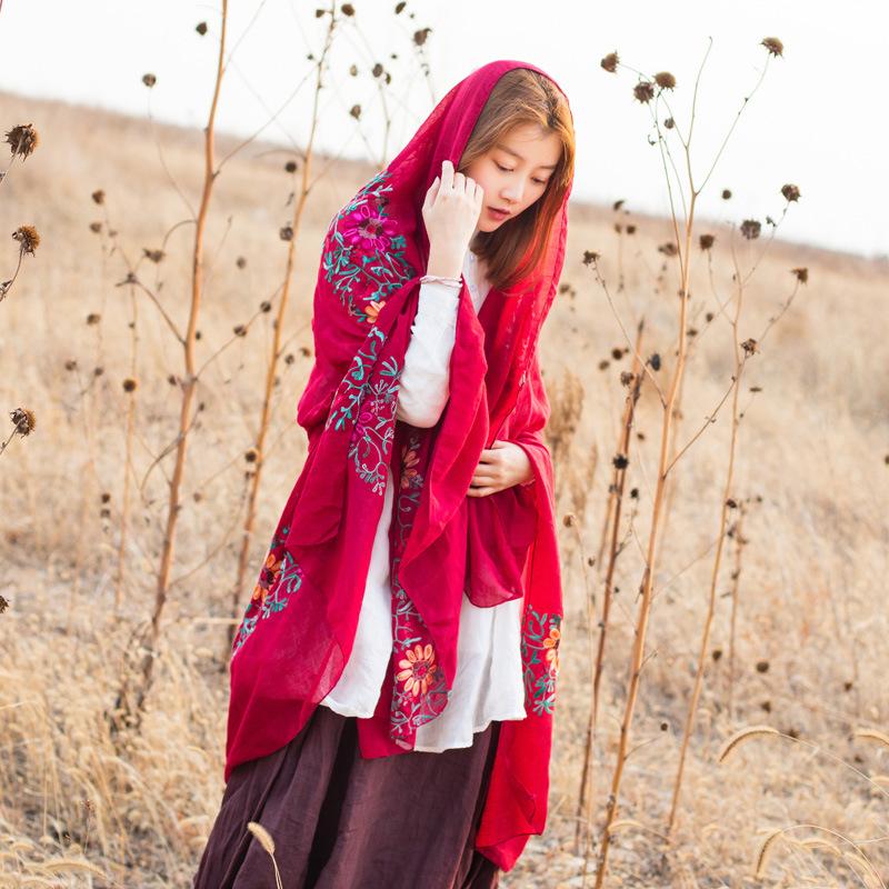 棉麻春秋围巾披肩刺绣丝巾文艺蓝色围巾女冬季花朵旅游披肩民族风