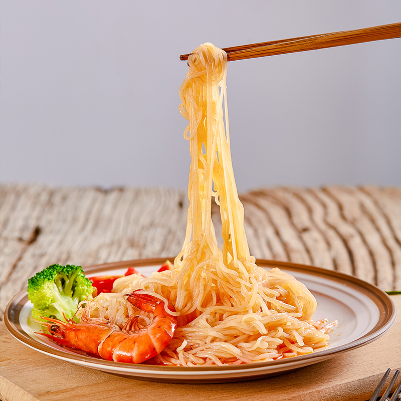 Konjac vermicelli 0 fat 0 sodium low calorie substitute staple food high satiety instant food 3 bags with sauce