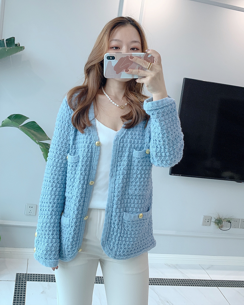 Europe station autumn winter 2020 new womens 3D metal button thickened sweater lazy wind cardigan coat