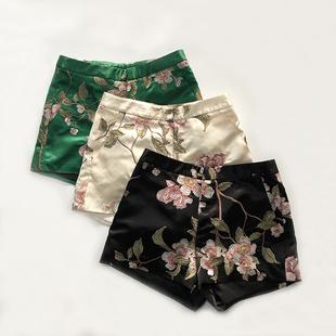 百搭满身刺绣花提臀中式 夏季 新款 女中国风复古旗袍裤 子唐装 短裤