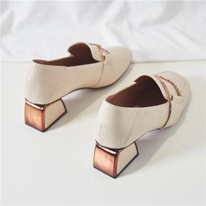 粗跟单鞋女2020新款春秋中跟英伦网红春季小皮鞋女春款百搭乐福鞋