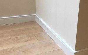 。实木踢脚线 纯实木墙脚线简约平板踢脚线白色烤漆地脚线10cm