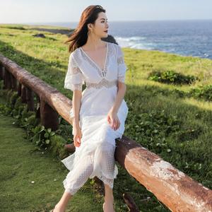 春新款沙滩裙海边度假超仙蛋糕礼服裙蕾丝拼接V领度假连衣裙长裙图片