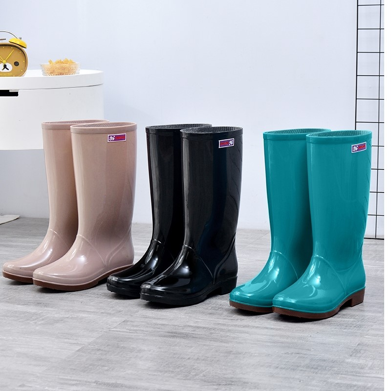 Light soft rubber small size simple water shoes mens rain boots high tube deodorant increase short tube rubber rain shoes womens trend