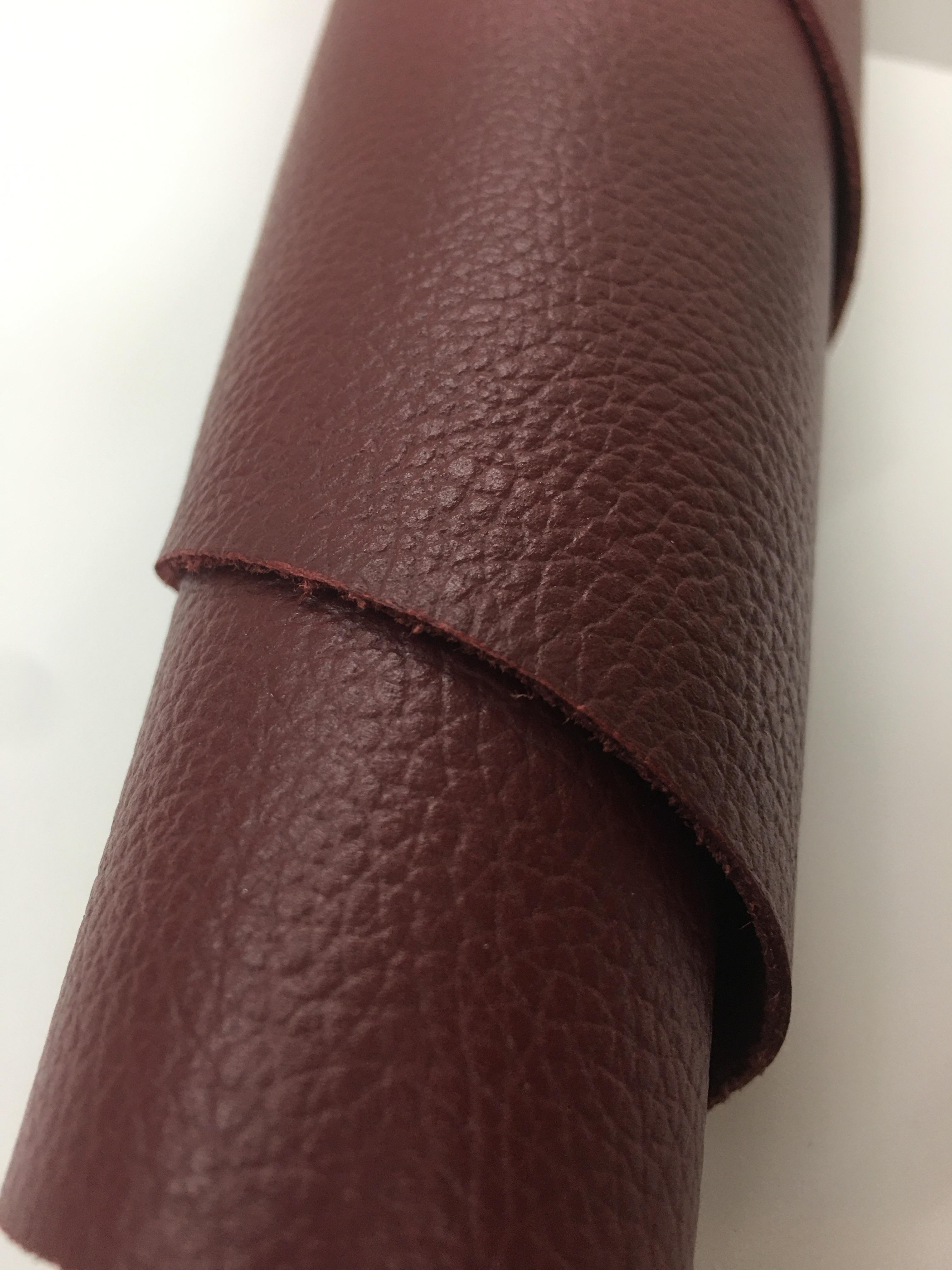 YX124 1.5mm进口头层玫红色荔枝纹进口牛皮硬度微软 7.5\平方英尺