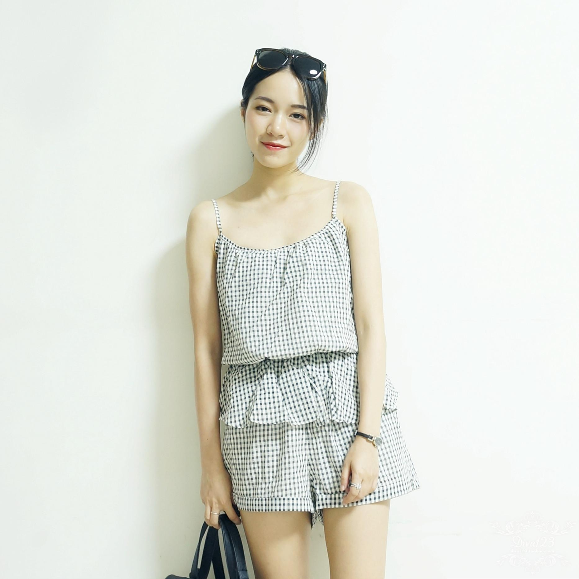 Japanese single miia spring and summer small fresh Plaid lace suspender Jumpsuit vest Jumpsuit shorts Jumpsuit clearance