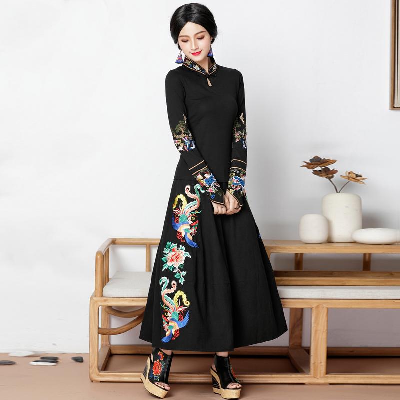 云南民族风女装两件套装2018新款文艺棉麻长裙刺绣加绒上衣秋冬装