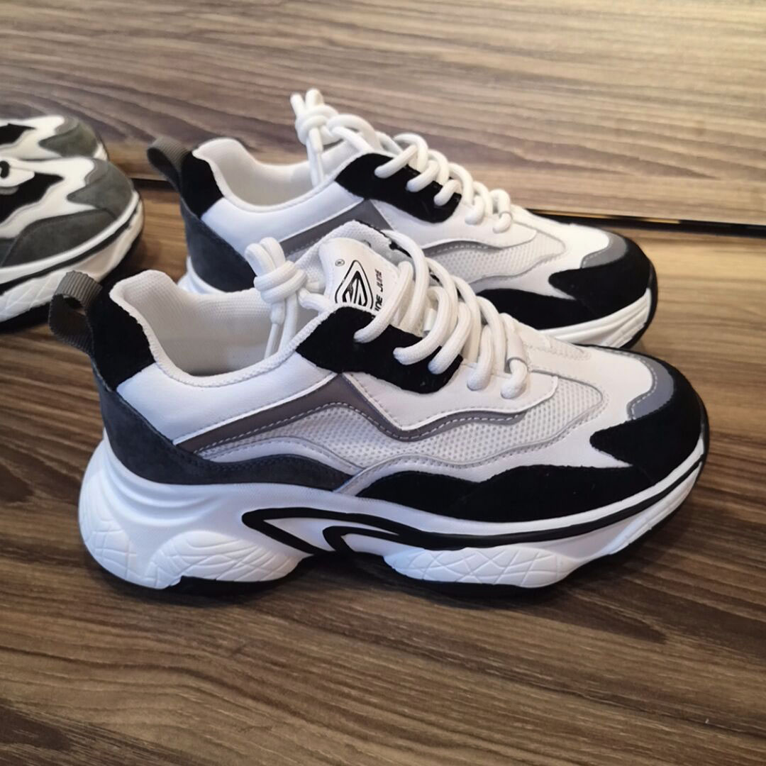 New black and white Travel casual shoes in spring and Autumn