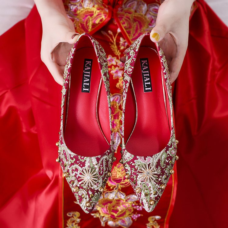 Wedding shoes female red high-heeled shoes slim heels 2019 new versatile Princess mustard bridal shoes net red wedding Xiuhe shoes