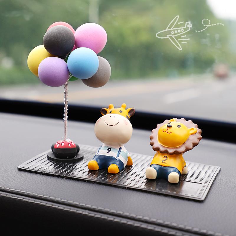 車內飾品擺件女汽車創意個性可愛網紅小公仔萌萌車載車上裝飾用品