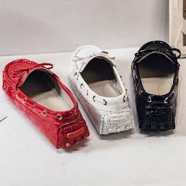 漆皮豆豆鞋女2020春季新款韩版百搭亮面红色圆头休闲平跟平底单鞋