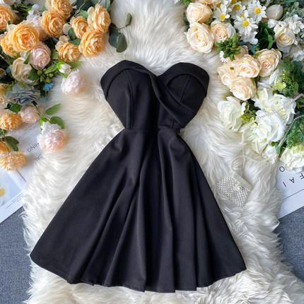 网红名媛小礼服女2020春装新款性感抹胸短款小洋装A字纯色连衣裙