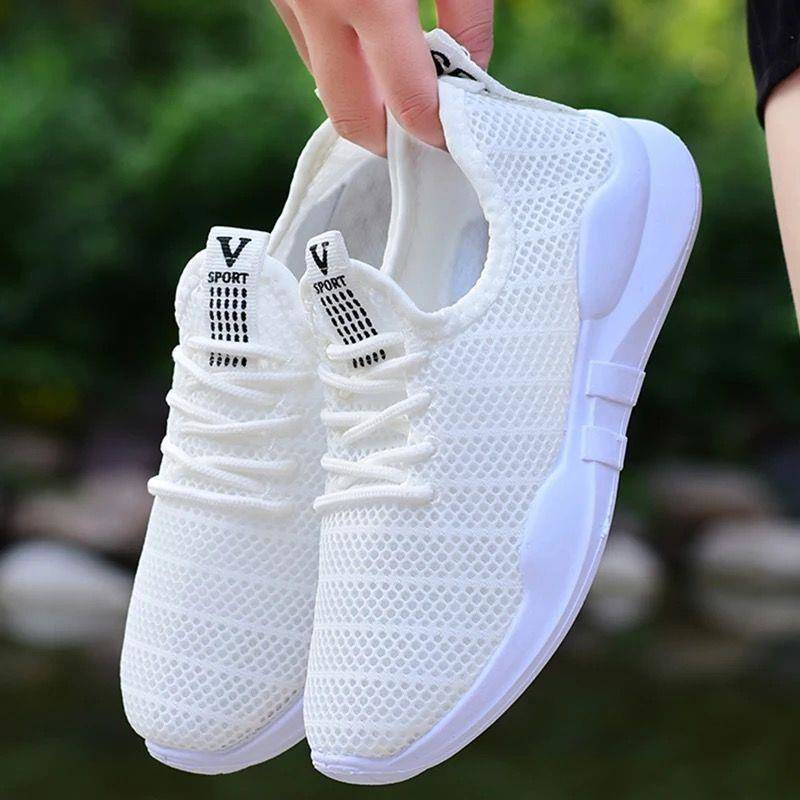 Sandals womens mesh hollowed out sports shoes female students running shoes Korean version versatile slim casual shoes net red shoes