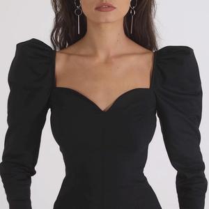 欧美气质方领上衣女春ins宫廷风修身显瘦法式收腰性感低胸长袖T恤