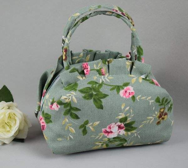 New type of hand-held canvas bag womens bag, lunch bag, printed hand bag