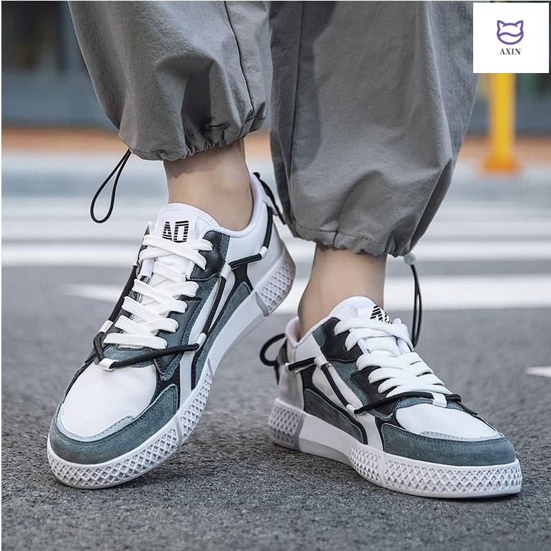 Mens shoes summer ventilation 2020 new Korean fashion casual versatile mens canvas shoes mens board shoes mens fashion shoes
