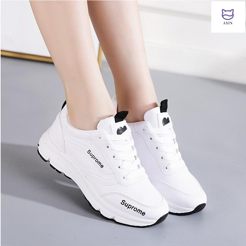 Spring and summer breathable sports shoes women leisure small white shoes female Korean junior high school students board shoes versatile running travel shoes