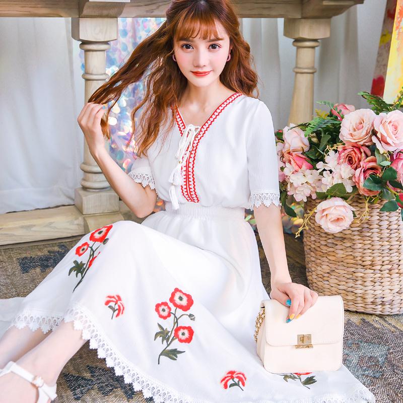 公主家夏装波西米亚度假风雪纺裙V领刺绣连衣裙白色中长款仙女裙