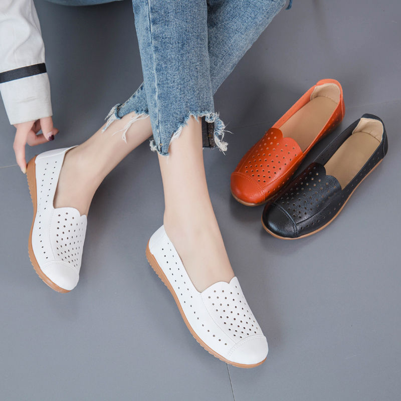 Shoes women 2020 new hollow soft soled shoes womens flat bottomed small white shoes hospital nurse work summer female ventilation