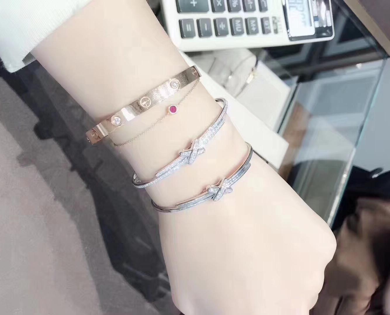 韩国正品代购一对一视频尚美巴黎结缘镶钻手镯