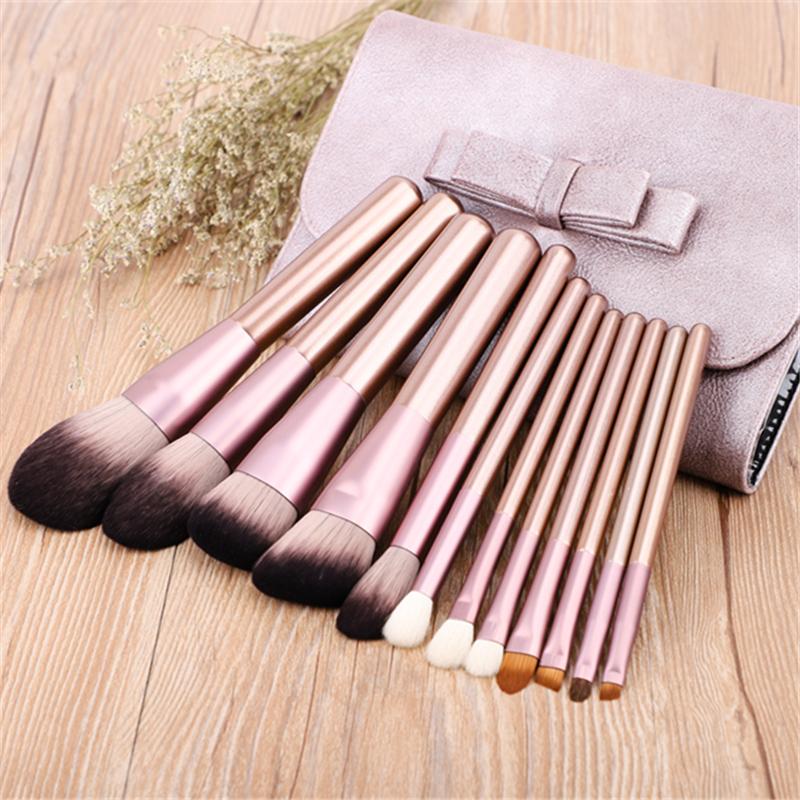 Wang Ming Mei grape makeup set brush 12 professional beauty tools, high gloss, blush powder.