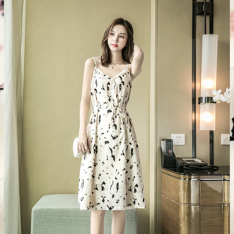 Sexy suspender skirt one-piece dress summer age cut off off shoulder slim fit with base inside and printed sleeve less dress outside