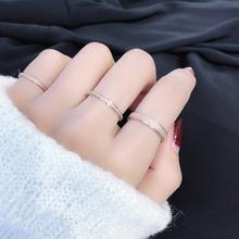 日本と韓国のシンプルでベーシックなモデルマットチタンスチールメッキ18Kは金の薄いモデルの人差し指をバラレズビアンのカップルリングテールリングイン