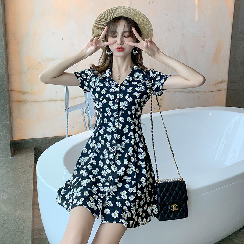 Hot sale in summer 2021 French elegant floral dress new fashion and versatile show thin Daisy dress