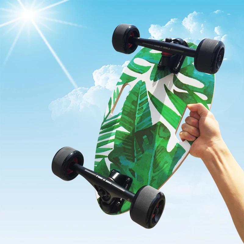 正品保证迷你4轮滑板上班代步瓜子小滑板便携四轮小鱼板儿童初学者滑板车