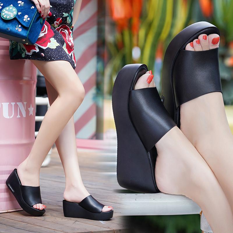 2020夏新款雪地意尔康真皮女凉鞋高跟外穿女拖鞋坡跟一字凉拖鞋女
