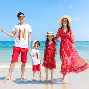 一家三口海边度假亲子装连衣裙母女装雪纺沙滩裙红色洋气长裙高端