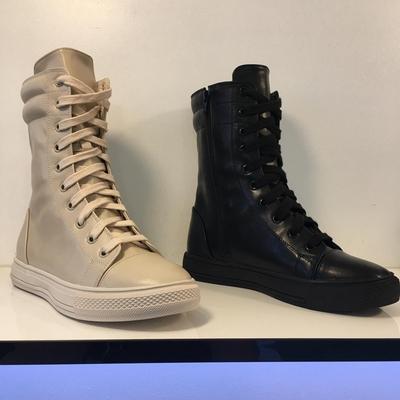 小池在首尔2020年秋冬季新款圆头系带平底休闲运动中筒女鞋马丁靴