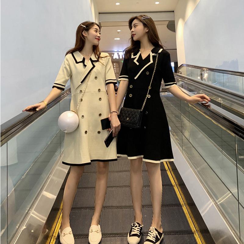 闺蜜装夏装不一样的姐妹装女港风连衣裙气质小香风v领小个子裙子122.32元包邮