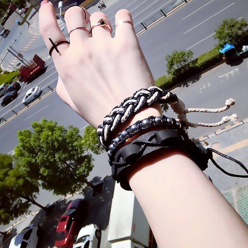 Vintage Linen multi-layer elastic leather rope Beaded Bracelet hand woven Bracelet versatile bracelet for men and women