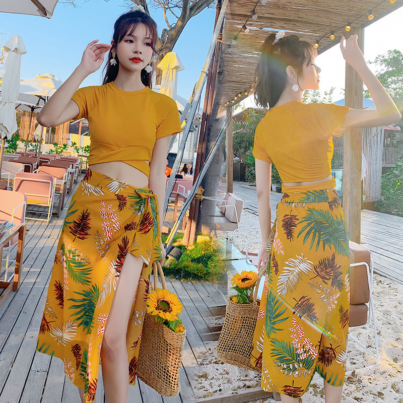 Sanya holiday travel swimsuit womens Bikini three piece split flat angle small chest sexy gathering hot spring swimsuit