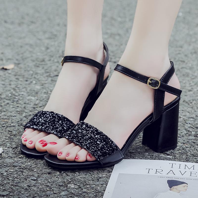 粗跟高跟凉鞋女2021春夏新款韩版时尚一字扣中跟罗马露趾学生鞋