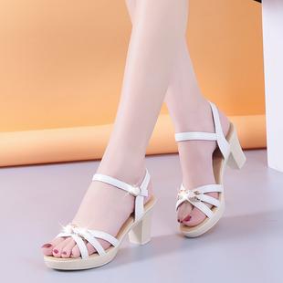 舒适凉鞋女中跟粗跟女鞋2020夏季新款一字扣带韩版女鞋妈妈高跟鞋