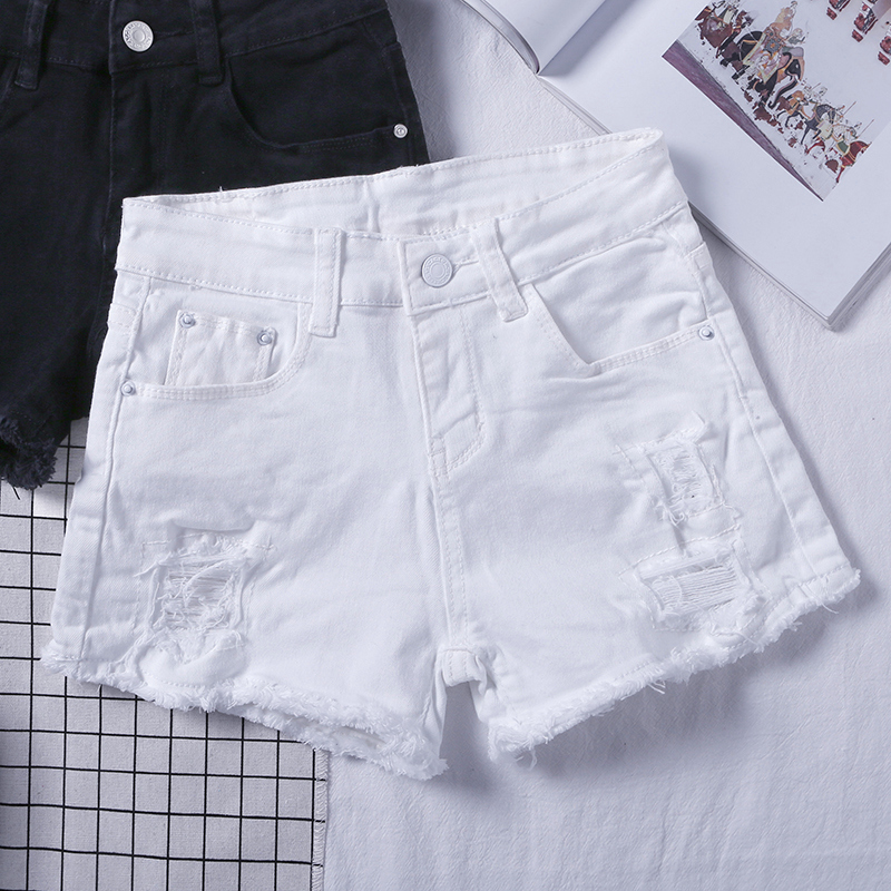 White denim shorts womens summer low waist 2020 new Korean version shows thin and versatile fit with holes and rough edge Hot Pants Black