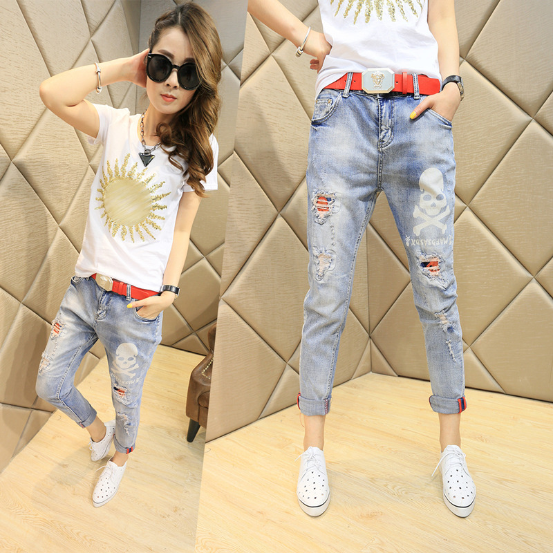 Spring and summer 2020 new style jeans with holes for womens Capris