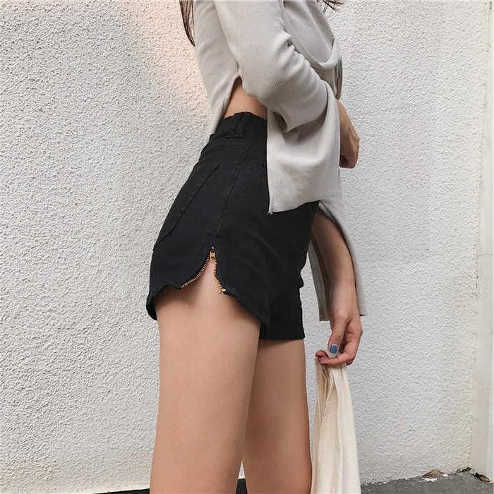 New super high waist slim sexy hot pants A-line Black Denim Shorts womens slim and tight pants in spring and summer 2020