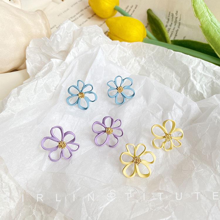 冷淡风清新花朵耳钉女超仙2020年新款潮韩国气质时尚简约小巧耳环