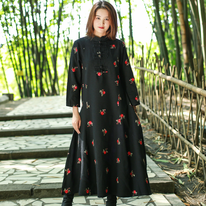 Zhipai spring and Autumn New Womens cotton and hemp dress ethnic style embroidery half open long sleeve Pullover dress