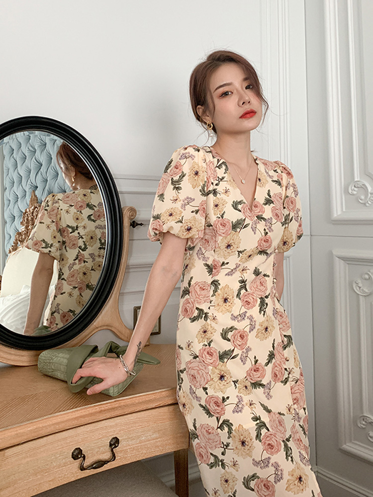 Cheongsam modified version dress womens 2021 summer French retro dress looks thin, floral and pure