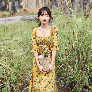 奈良雪纺连衣裙一字领法式碎花裙子2021新款三亚沙滩裙海边度假夏图片