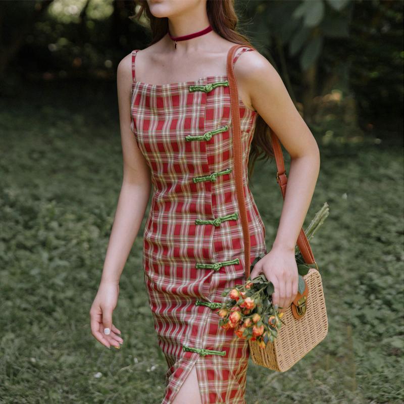 奈良格子新式旗袍改良版连衣裙年轻款少女吊带夏蚀骨日常生活复古