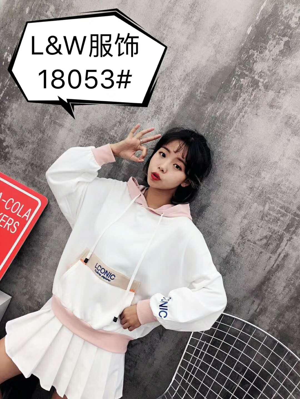 L&W女装T恤衫连帽卫衣例外LI WAI FASHION 2018秋季新款学院卫衣