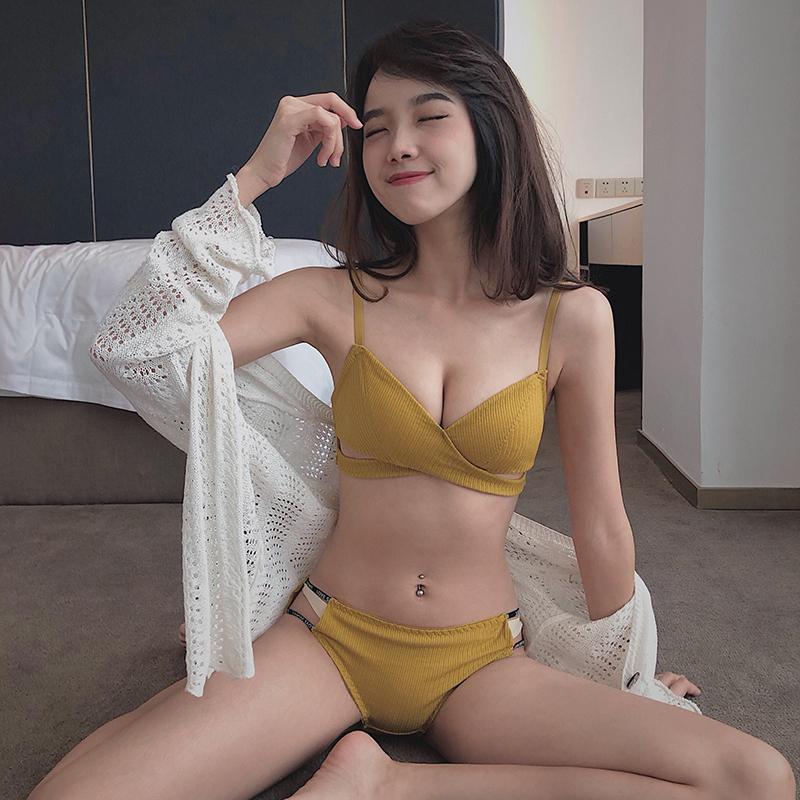 69.00元包邮三角杯螺纹舒适薄款全棉聚拢夏胸罩