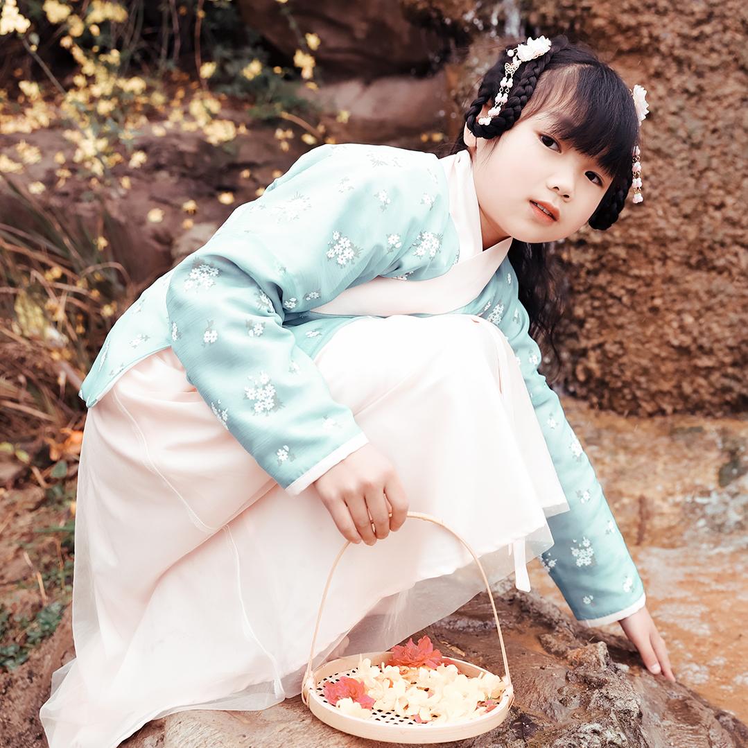 衿侬轩原创明制袄一片式穿孔裙双层交领原创小清新儿童品质汉服