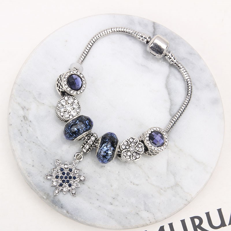 Gift Girl pan family style same style DIY beads bracelet with beads at East Gate of South Korea
