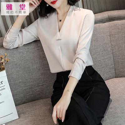 2019新款女装白色衬衫韩范时尚v领小衫气质缎面长袖职业女士衬衣